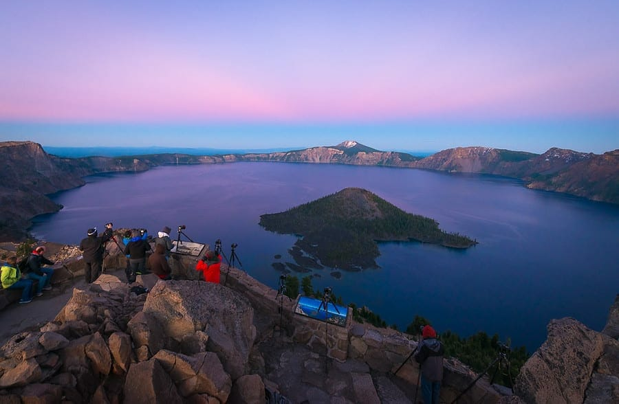 Night photography workshop at crater lake with dave morrow photography